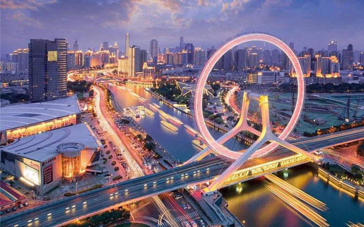 中国的大城市臃肿发展,小城镇配套亟待改善